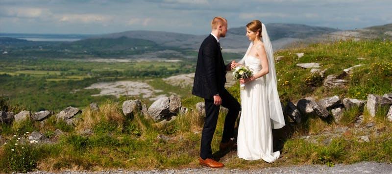 Nine Irish Wedding Traditions to Include on Your Big Day